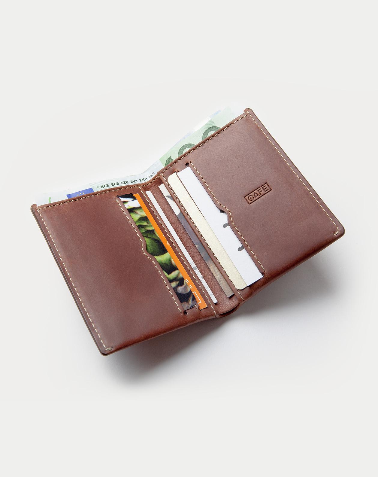 Cartera de piel costa rica roasted,en detalle. Slim Leather Wallet Costa Rica.