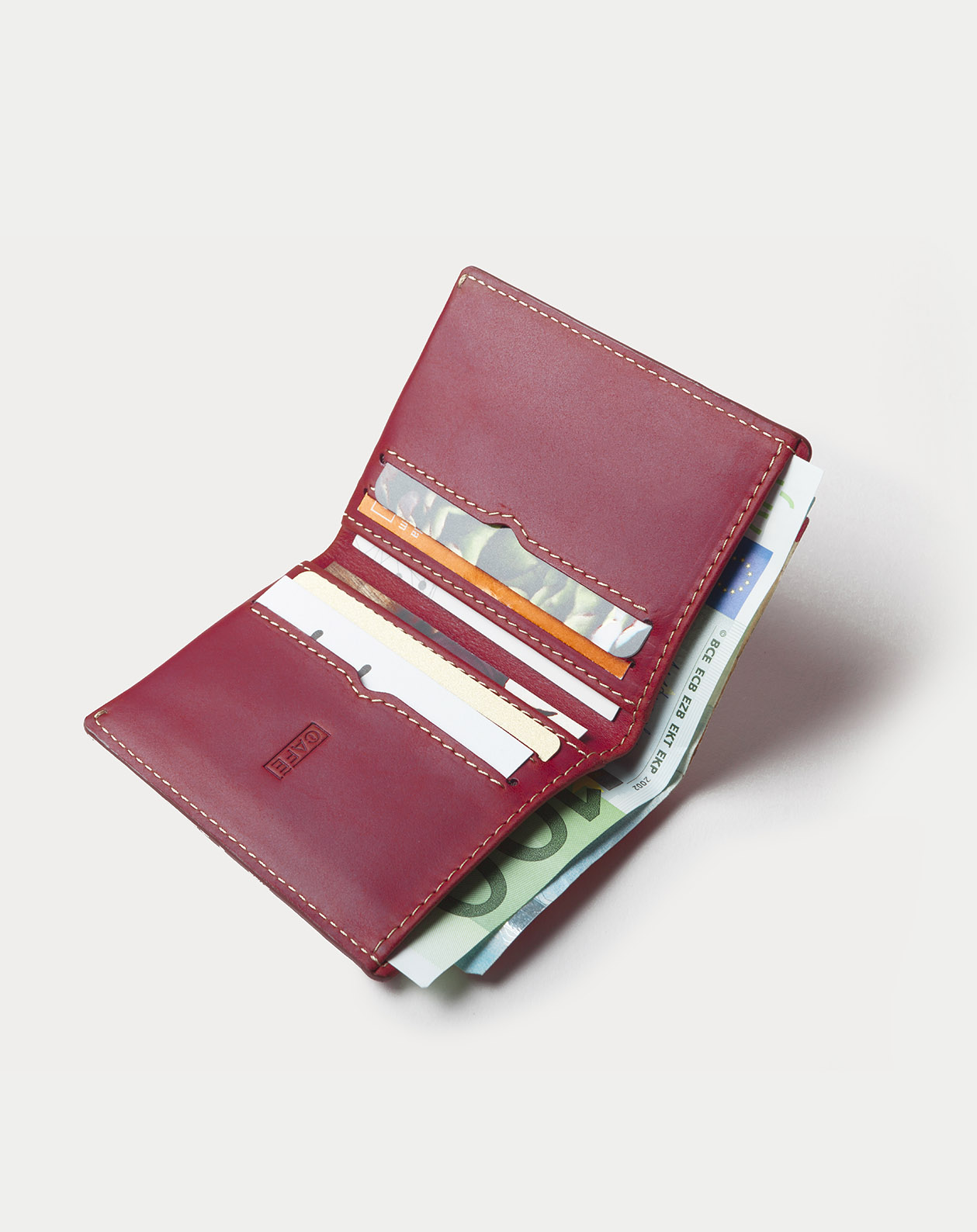 leather-slim-wallet-Costa-Rica-berry-3