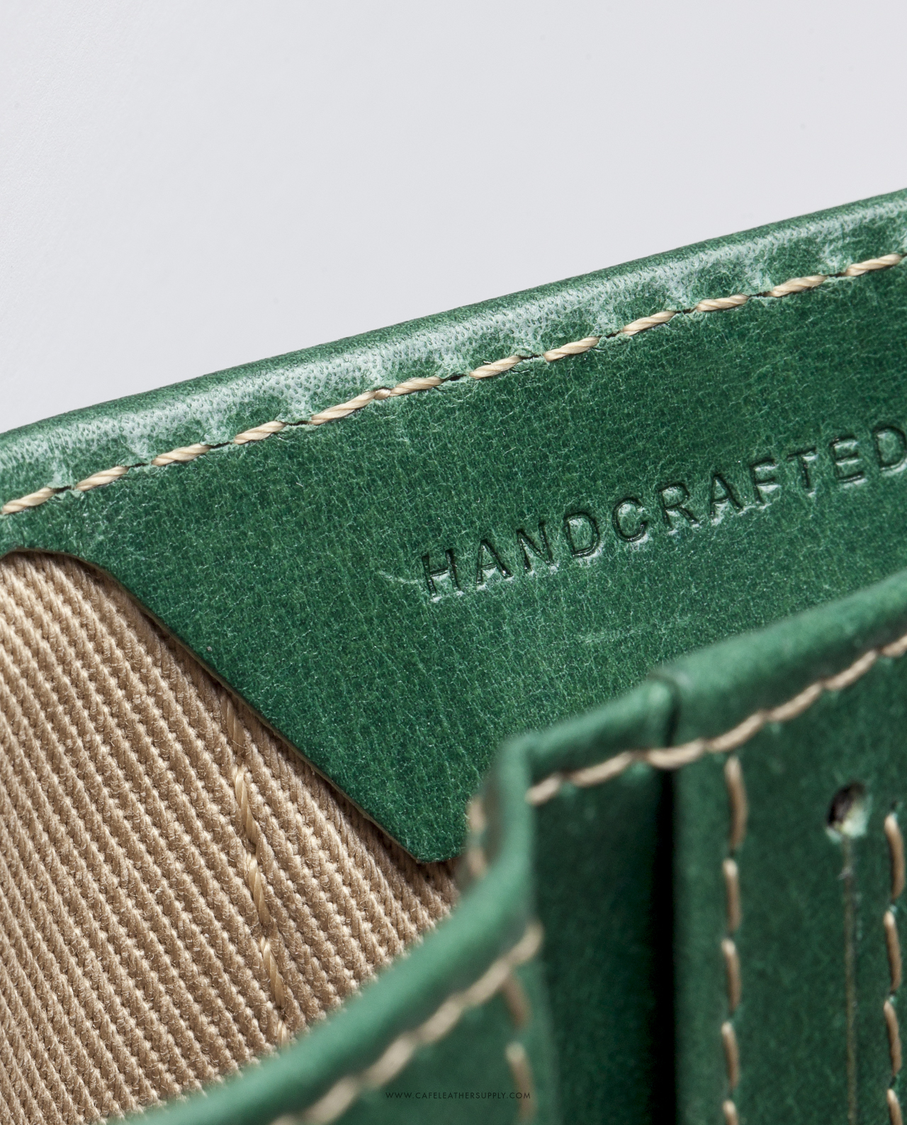 cartera de piel verde para más de 12 tarjetas y bolsillo para monedas