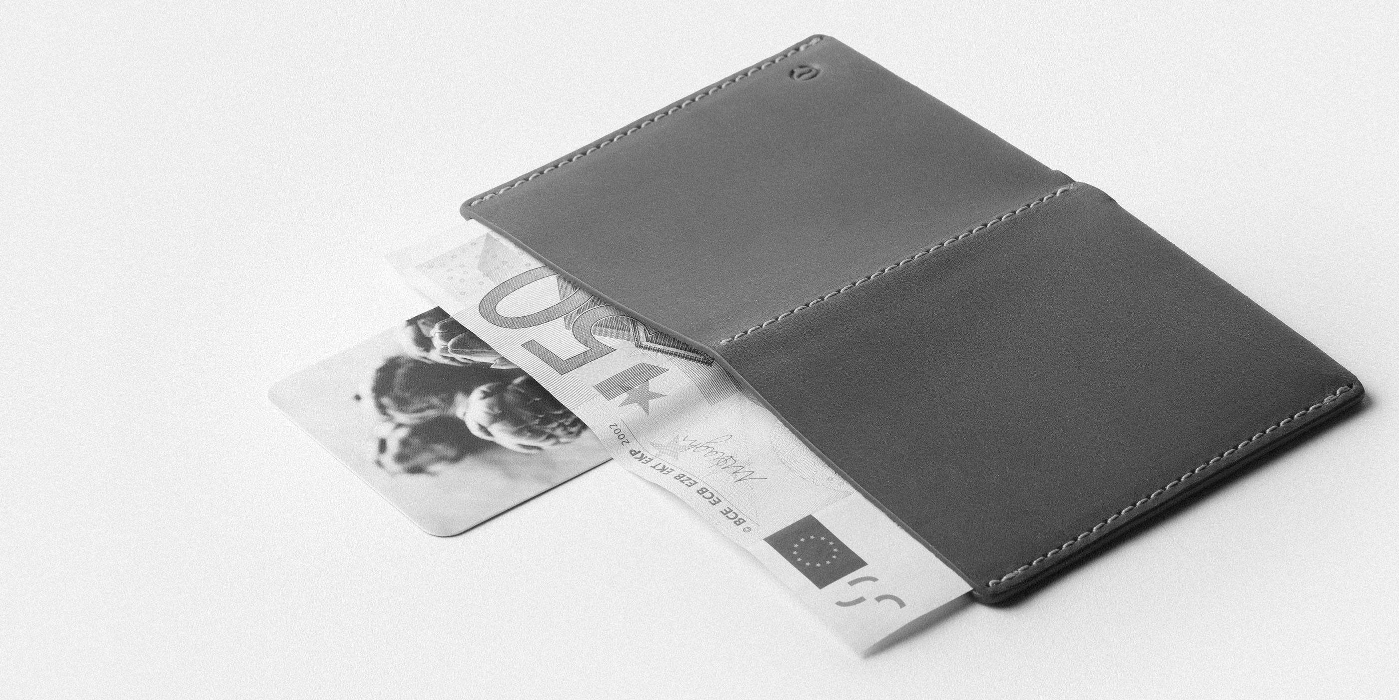 Ultra Slim Leather Wallet Jamaica B/W 2