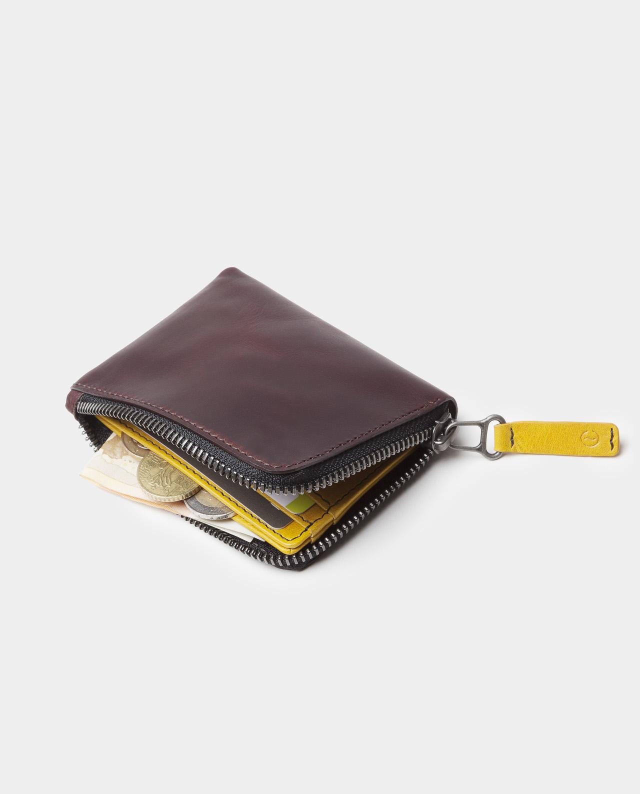 zip wallet black with coins